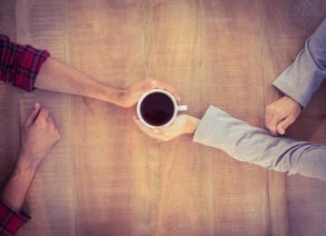 Սրճելու հաճույքն իրական ընկերների հետ